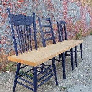 Van oude stoelen een bankje maken