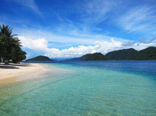 Sikuai Island - The closest island to Padang, only 35 minutes away by boat. It is one of the most picturesque destinatio...