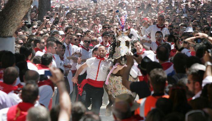 del 1 al 5 de mayo fiestas de los caballos del #vino de #caravaca de la cruz #regiondemurcia via @Destino Región de Murcia