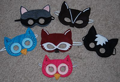 DIY Felt Masks.  I definitely think I need to make some of these!  I love the detail and pizazz!