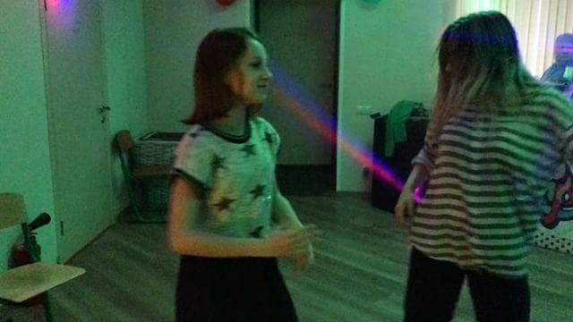 Нам весело, мы танцуем как умеем #nextcamp #лагерь #дискотека