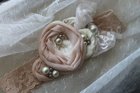 Sureña diadema Vintage Shabby Chic rosetas por ExquisiteLittleLady