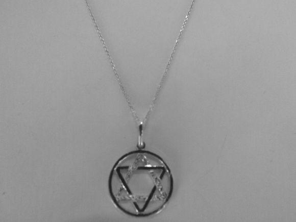 Mega Promoção - Linda corrente em prata com pingente Estrela de Davi em prata pura  - LARGURA : 17mm.  - ALTURA : 25mm. R$ 45,00