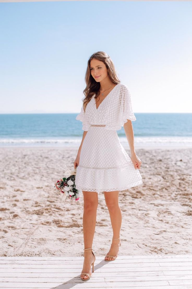 VESTIDO CURTO CAROLINA OFF | Vestidos, Vestido casamento civil simples, Roupas para casamento civil