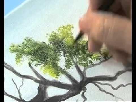 Desde su taller, Gabriela Galano desarrolla técnicas de pintura con pincel y espátula en acrílico. Hasta los dedos sirven para dar textura a la obra, señala