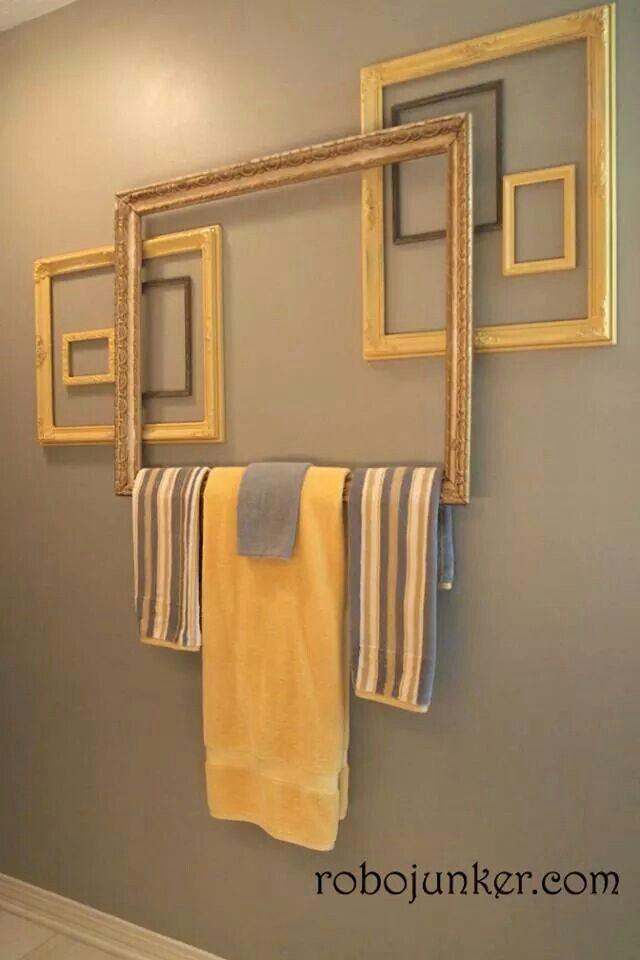 se servir de cadres pour y déposer les serviettes de bain.