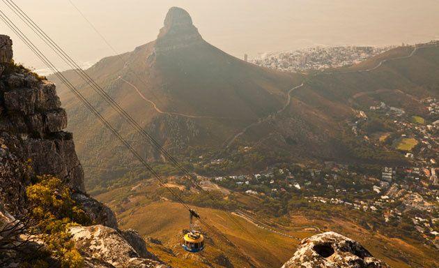 Vista de Ciudad del Cabo y la montaña de la Mesa