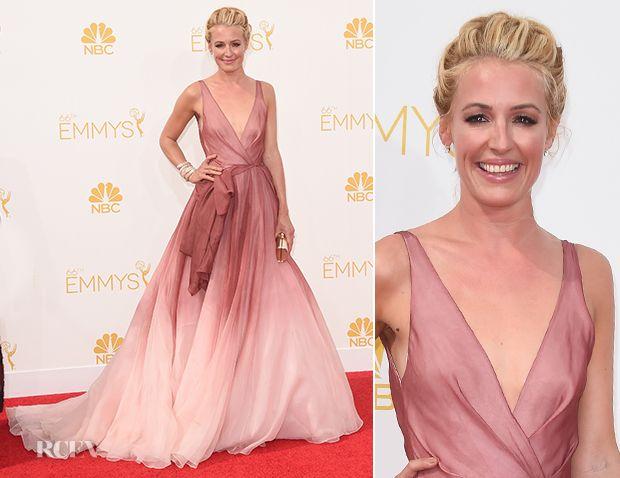 Farb-und Stilberatung mit www.farben-reich.com - Cat Deeley In Burberry - 2014 Emmy Awards - Red Carpet Fashion Awards