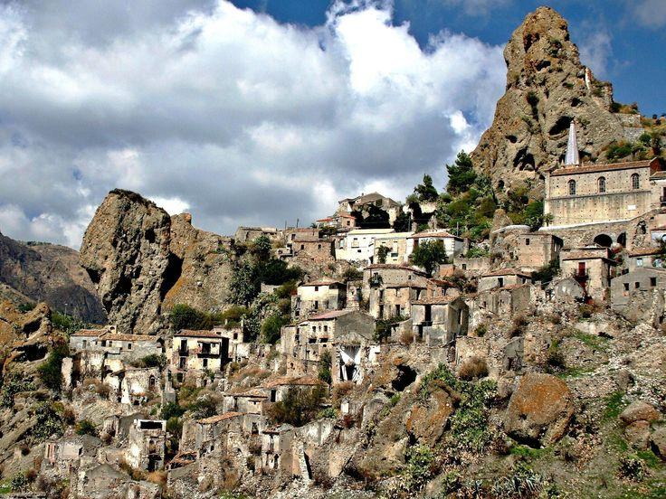 Pentidattilo, the ghost town – Melito di Porto Salvo , Calabria ...