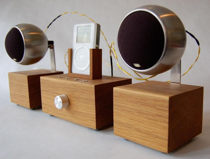 Paul Pettigrewu0027s ICharnley Ipod Stereo System  On Display In Living