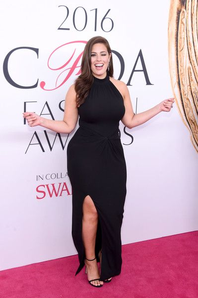 Ashley Graham Photos - Model Ashley Graham attends the 2016 CFDA Fashion Awards at the Hammerstein Ballroom on June 6, 2016 in…