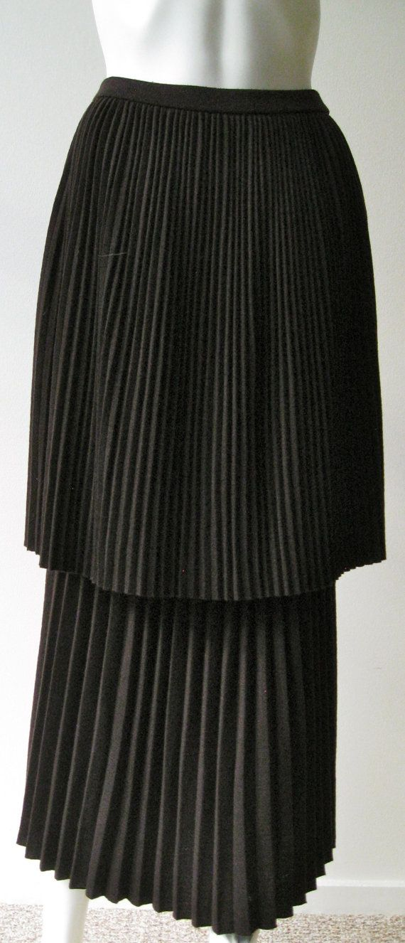 Incredible vintage 1980s Skirt Yohji Yamamoto Brown with pleats
