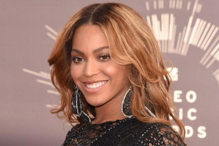 Beyonce Kuasai Daftar Nominasi Grammy Awards 2017  Konfrontasi -Recording Academy akhirnya mengumumkan nominasi untuk Grammy Awards 2017. Ajang penghargaan ini ialah gelaran tahunan yang pertama kali digelar pada 4 Mei 1959.  Beberapanama musisi terkenal telah bertengger menempati kategori masing-masing. Tidak hanya satu kategori beberapa nama bahkan mengisi sejumlah kategori.  Sebut saja Beyonce yang memimpin dengan menempati sembilan nominasi. Sementara itu Drake dan Rihanna mengikuti di…