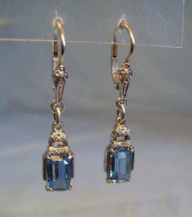 Online veilinghuis Catawiki: Art deco oorbellen met blauwe topaas