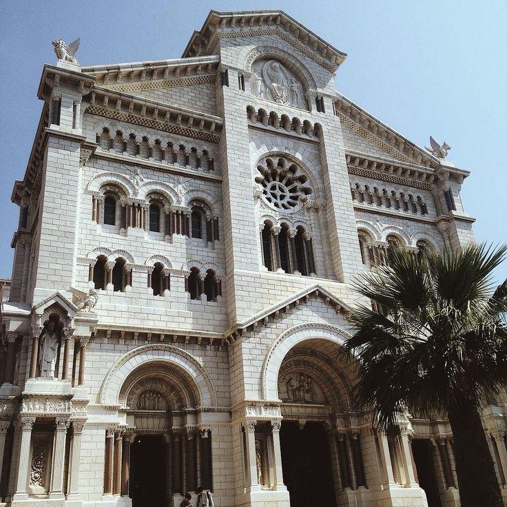 #Rocher В этом соборе венчалась принцесса Монако-Грейс Келли с принцем Ренье III by christyvetlova from #Montecarlo #Monaco