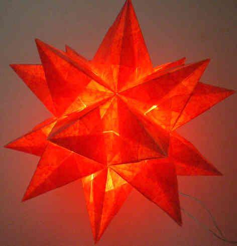die besten 25 beleuchteter stern ideen auf pinterest wei e weihnachtsbeleuchtung deko liebe. Black Bedroom Furniture Sets. Home Design Ideas