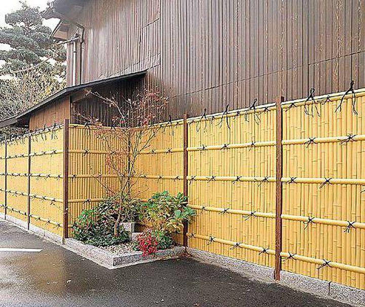 Que tal usar bambu no jardim???   É renovável, sustentável e lindo!!!   Inspire...+ http://aldeiatem.com/metatag/bambu  A eficiência do bambu no que se refere à resistência e tração se deve à sua estrutura oca e tubular.  Além de suas vantagens de usabilidade, o bambu ainda é  [...]
