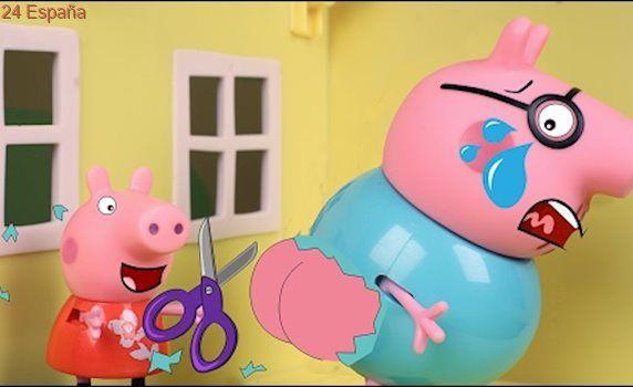 Peppa Pig Juguetes en Español 🐷 Peppa corta la ropa a Papá Pig