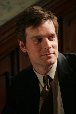 Six Feet Under, god I miss Nate......