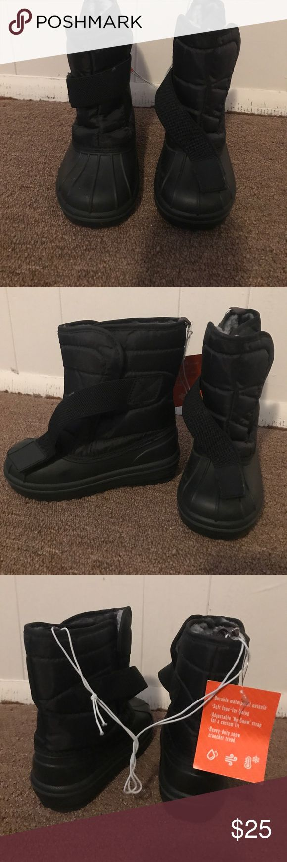 Boys snow boots brand new Brand new snow boots in black from children's place size11 Children's Place Shoes Rain & Snow Boots