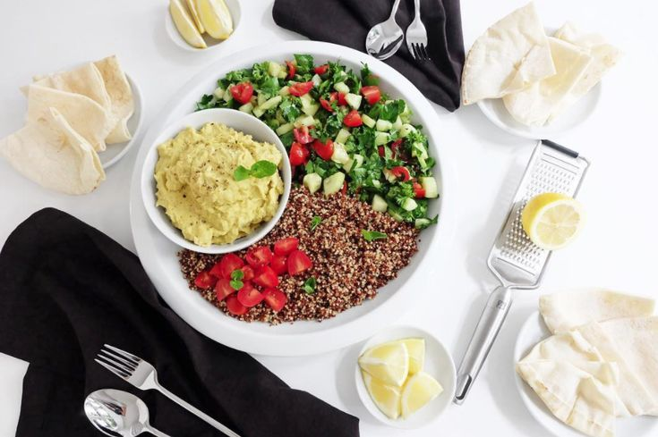 This crisp Tabouleh, Quinoa and Hummus meal will make you feel as if spring was already here! You will love the beautiful colors and the freshness of it. Find this and more recipes on Jonny Hetherington Essentials website.