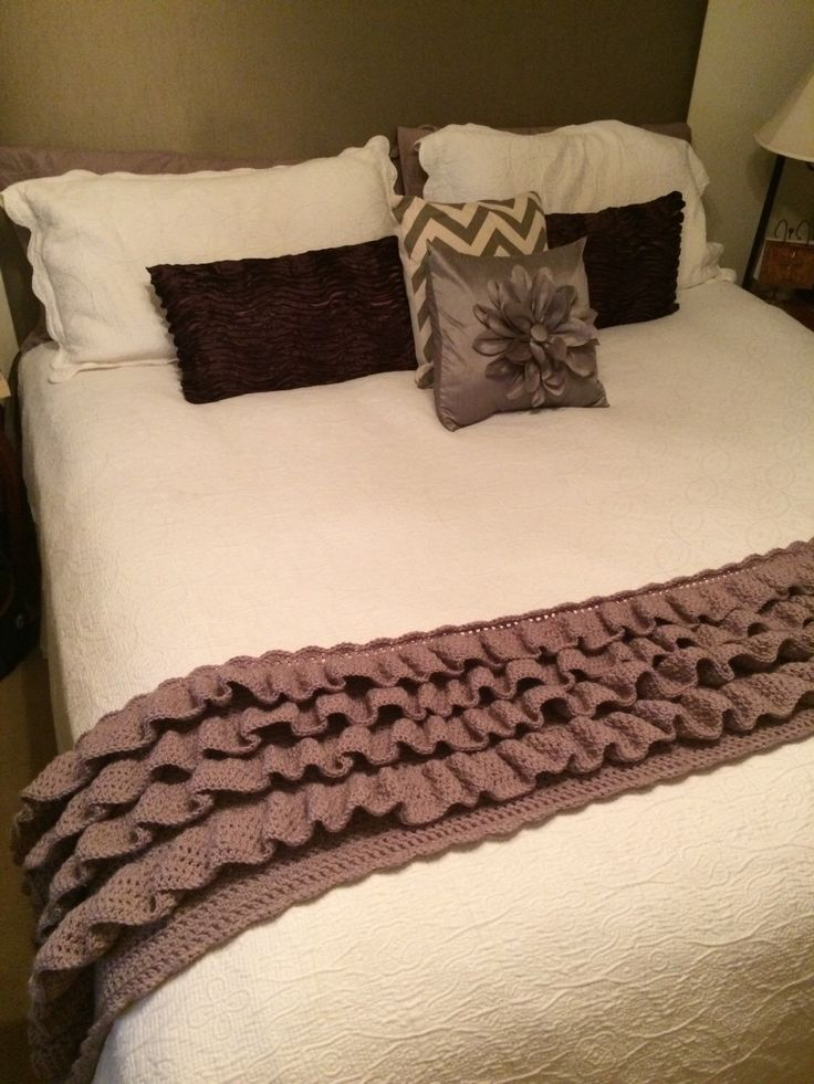 Ruffled bed runner /feet warmer 3 sizes twin queen and
