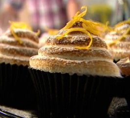 Lemon meringue cupcakes! These are gorgeous, and so easy to make x  http://www.channel4.com/4food/recipes/tv-show-recipes/baking-mad-with-eric-lanlard/lemon-meringue-cupcakes-recipe