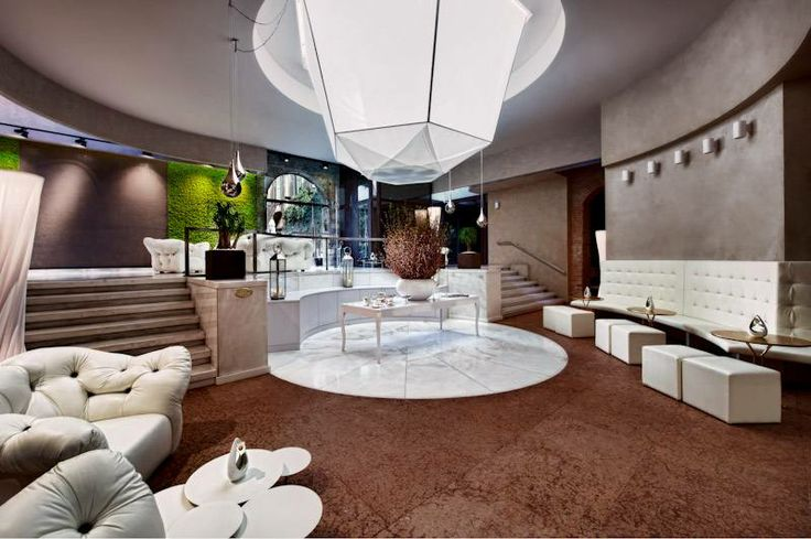 Located in the ancient heart of Verona, Hotel Victoria Palace offers a unique mix of history and the future. On one side, furniture and paintings by contemporary design, on the other the ancient stones from the Roman era, with a result of great charm. http://goingpeople.com/palazzovictoria