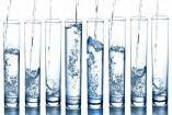 Κάποιες φορές καταναλώνουμε το νερό μηχανικά και κάποιες άλλες πραγματικά απολαμβάνουμε τη δροσιά του και το αίσθημα που μας προκαλεί. Όπως και να έχε...
