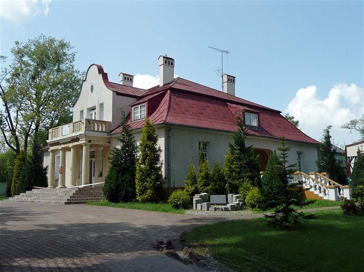 Dzierżązna (łódzkie) - Nowy dwór wzniesiony przez Adama Słomińskiego około roku 1924.