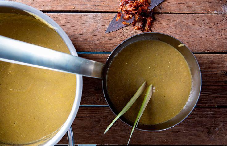 Σούπα κρέμα λαχανικών με μπέικον και λεμονόχορτο