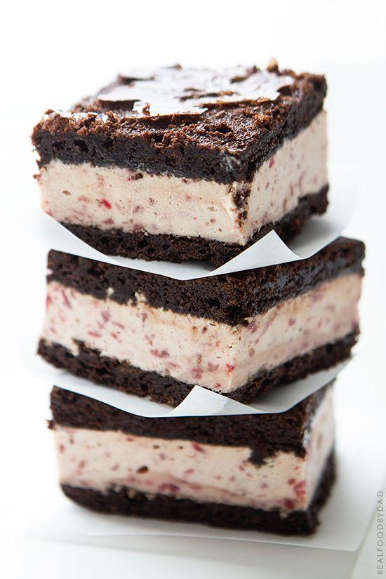 strawberry ice cream brownie sandwiches