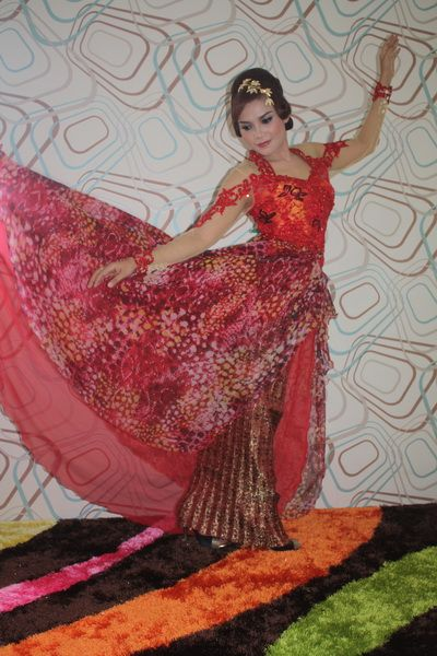 Kebaya Anne Ekor Sifon Etnik B101 | GrosirKebaya.Net