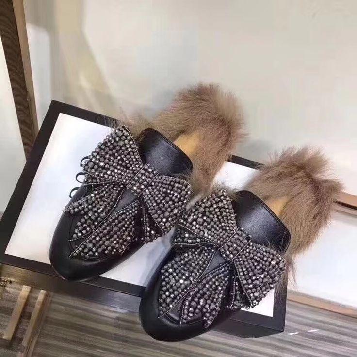 Precio&Price: 98 US Dollars. Talla&Sizes: 35-41. Whatsapp +34656755332. http://candystore123.x.yupoo.com/albums?tab=gallery #zapatillas #comprarzapatillas #sandalias #comprarsandalias #sandaliasdecuero #slippers #buyslippers #greyslippers