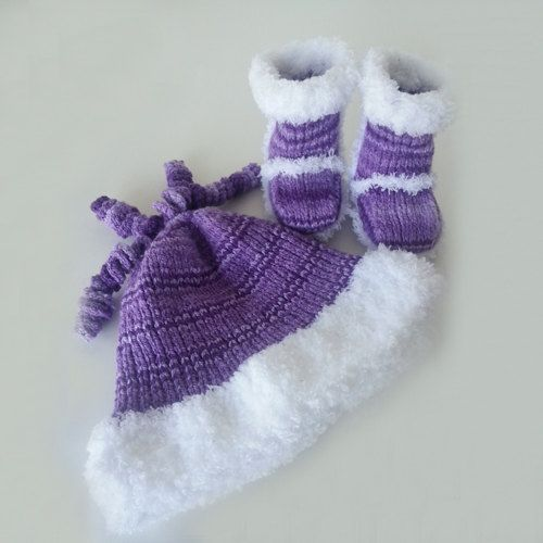 Set Ugg Inspired Booties Baby Hat Baby Beanie Baby by LilCuddles