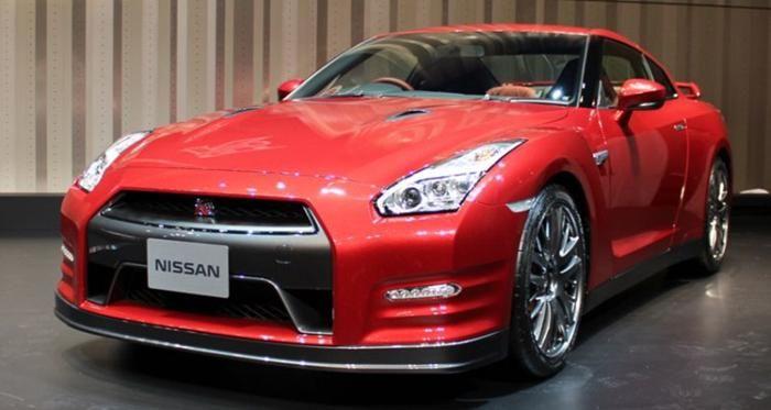 Nissan GT-R Nismo 2014 Mengaspal di Indonesia - http://www.zonamobil.net/nissan-gt-r-nismo-2014-mengaspal-di-indonesia/