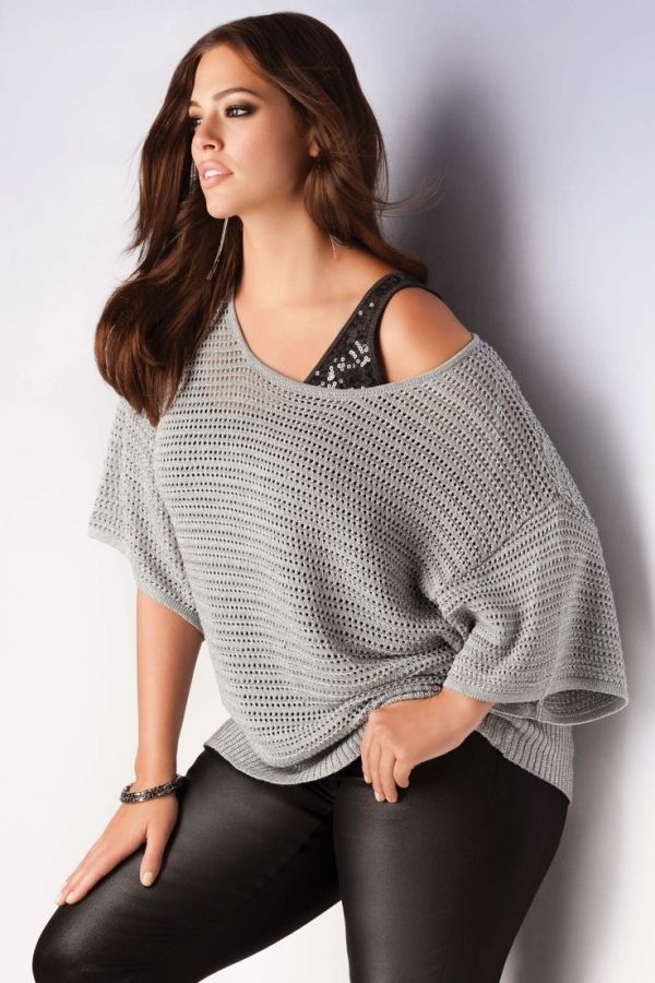 Love the off the shoulder tops! Would also like to try the black leggings out.