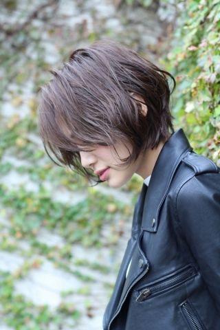 モードネイビーで透明感ある暗髪に | 美容室カキモトアームズのおすすめヘアスタイルカタログ