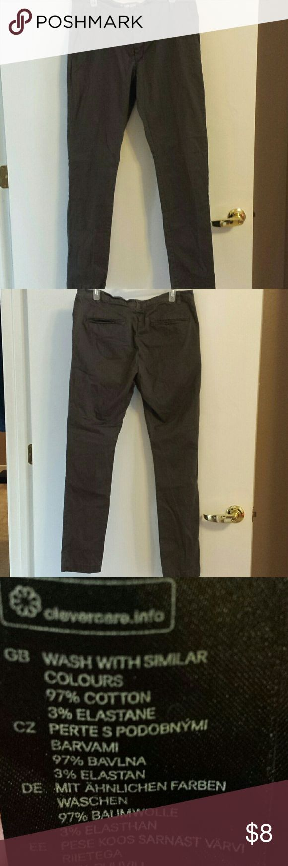 H&M Divided skinny jeans Comfortable, not too stiff they have somewhat of a stretch, great condition, they are a dark taupe color, no flaws, lightly worn, European size 34, converting to US size I would say a size 10 or someone that wears a Large.. Divided Jeans Skinny