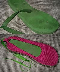 Upcycling flipflops with knitting.