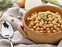 Carbonara di zucchine, piatto ricco e vivace, ricetta facile e pronta in pochi minuti, proposta anche in versione light. Senza guanciale