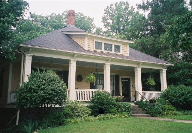 17 best images about raleigh bungalows and cottages on for Carolina house raleigh nc