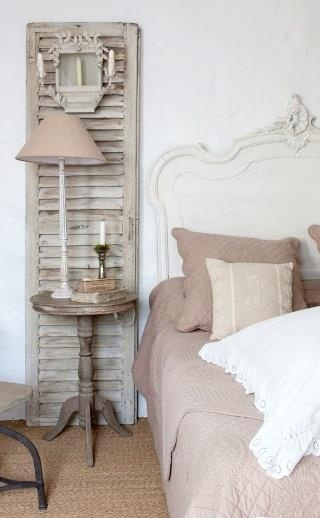 white and beige bedroom ~ juliettetemple
