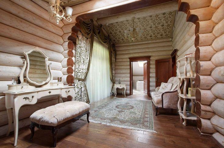 Деревянный дом из бревна площадью 350 кв.м.