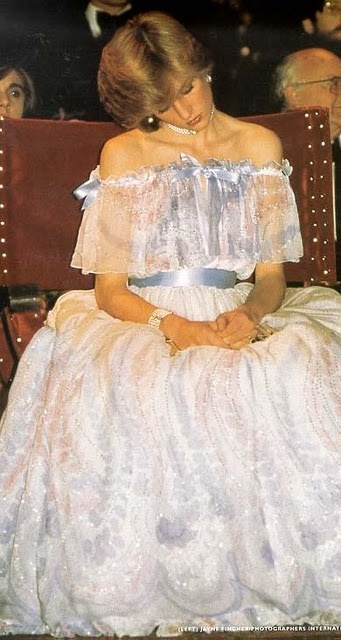 Princess Diana fluff, scolded for dozing off at a function, only to find the next day that she was indeed pregnant