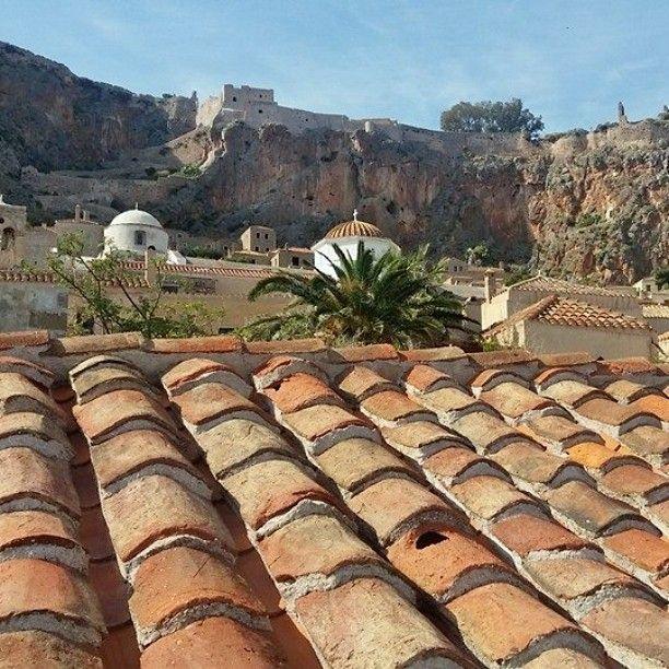 #Monemvasia,a powerful #medieval #fortress #Greece#peloponese#travelingreece#greekadventure#greeklife#ilovegreece#amazingplaces#thegreeceguide#greekliving#greeksabroad#portalgreece