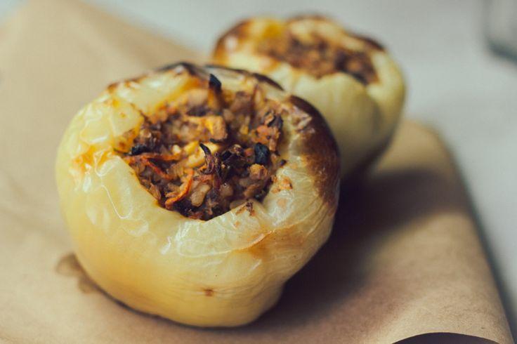 Вегетарианские фаршированные перцы - рецепт - как приготовить - ингредиенты, состав, время приготовления - Леди Mail.Ru