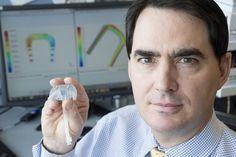 Científicos estadounidenses preparan un riñón artificial, con filtros de silicio y células vivas, que podrá ser implantado a los enfermos renales liberándoles de la máquina de hemodiálisis. Funcion…