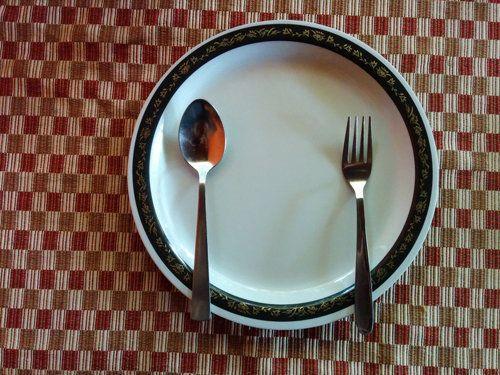 Разгрузочные дни для похудения  Разгрузочные дни для похудения довольны эффективны: об этом свидетельствует недавнее исследование American College of Cardiology в Новом Орлеане.  Исследование показало, что разгрузочные дни оказывают положительный эффект на факторы риска, как содержание сахара в крови и ожирение.  Один разгрузочный день в неделю помогает похудеть!  Целый день вы без лишних калорий и без йо-йо эффекта!