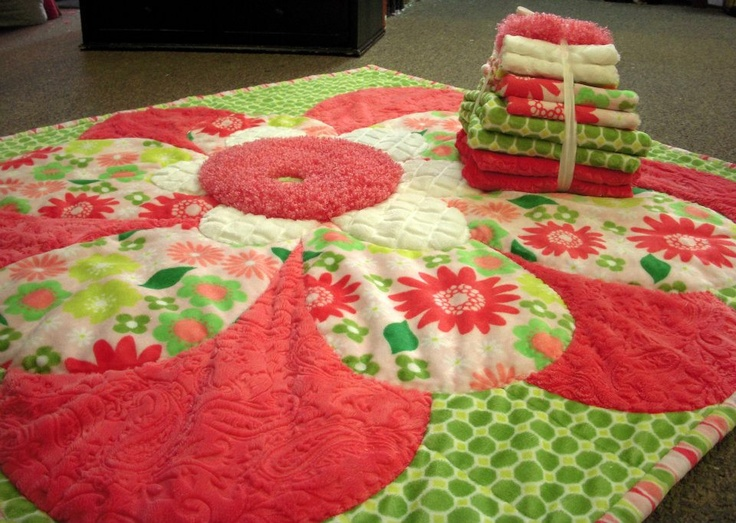 "Measuring about 40"" square, this ohhh sooooo soft Cuddle-Minkee Rug is stinkin' cute!  The kit is $50.00 and the pattern is   sold separately.: Quilts Fabrics, Cuddlemink Rugs, Cuddle Minke Rugs, Squares, Patterns, Rugs Kits, Cuddling Mink Rugs, Fat Quarter Quilt, Cuddling Rugs"
